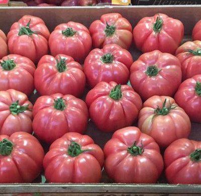 caja tomates rosado